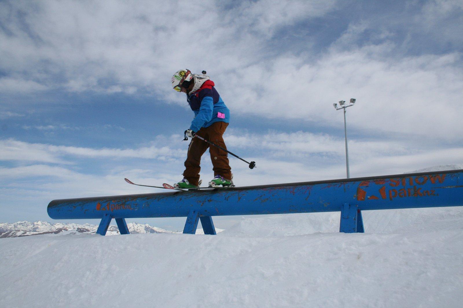 Snow park Pipe rail