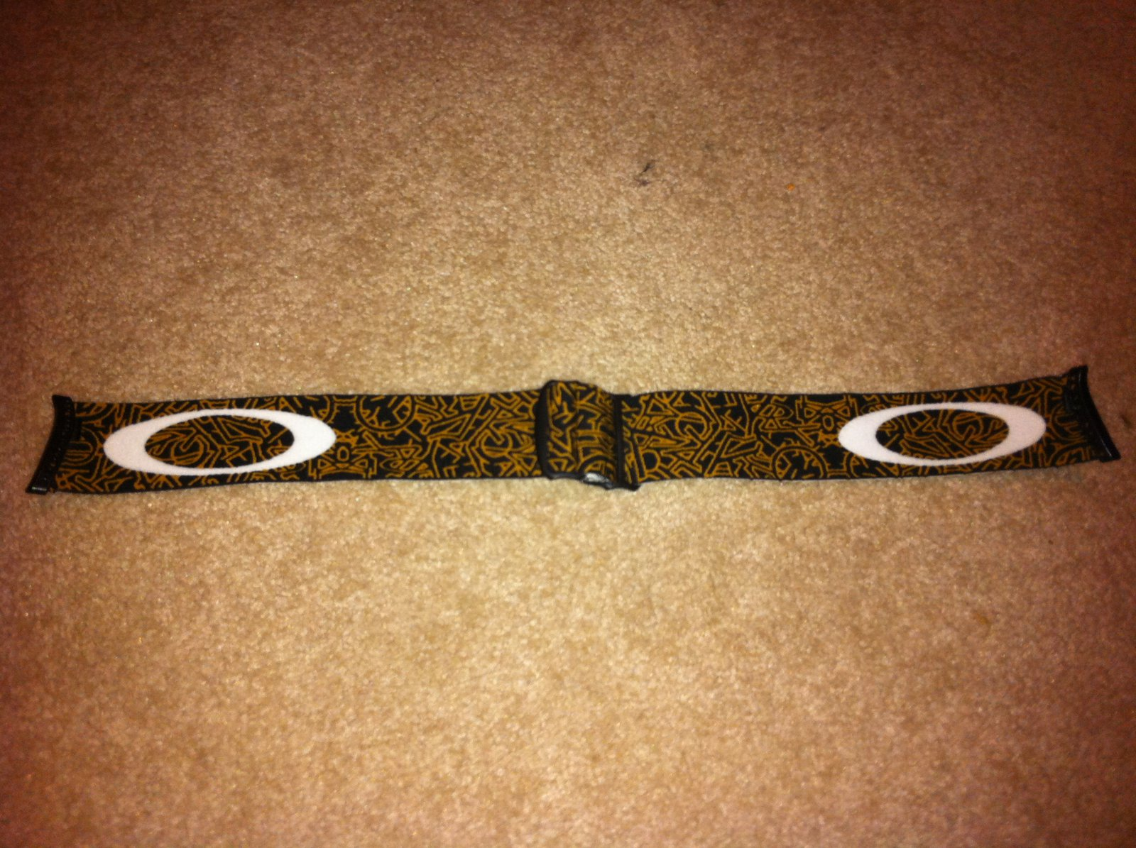 ghost text crowbar strap