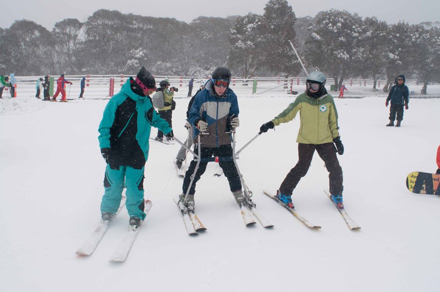 Teaching others with cp to ski