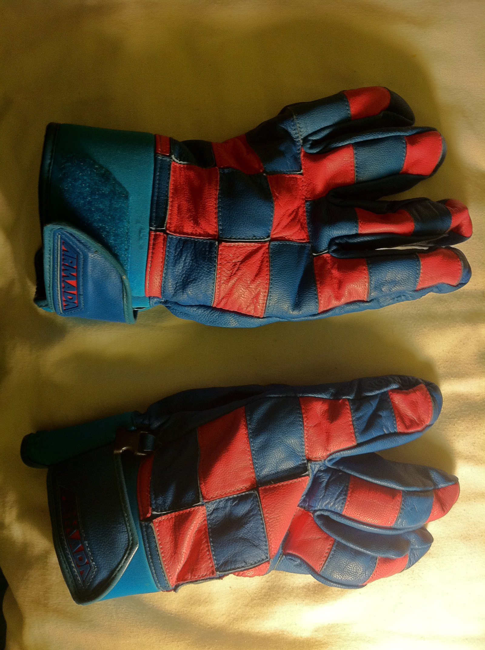 Armada Gloves