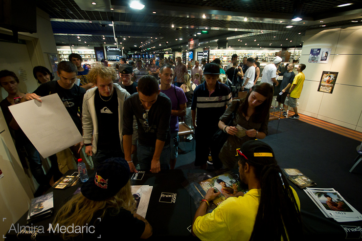 Signing Session with Tanner Hall and Cali P