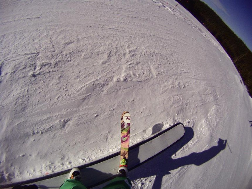 One ski slide