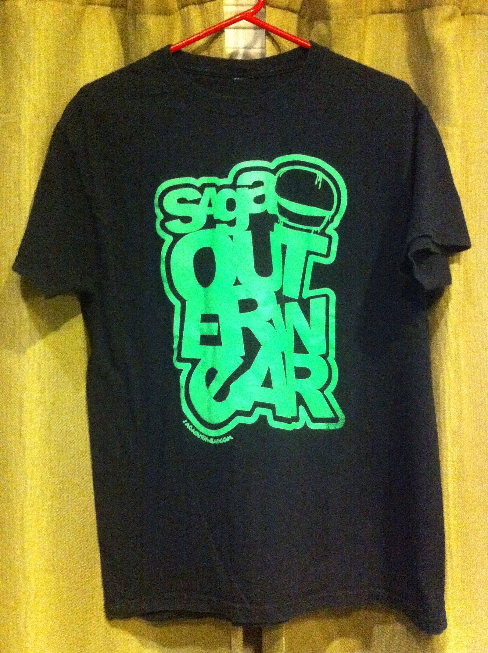 saga shirt black