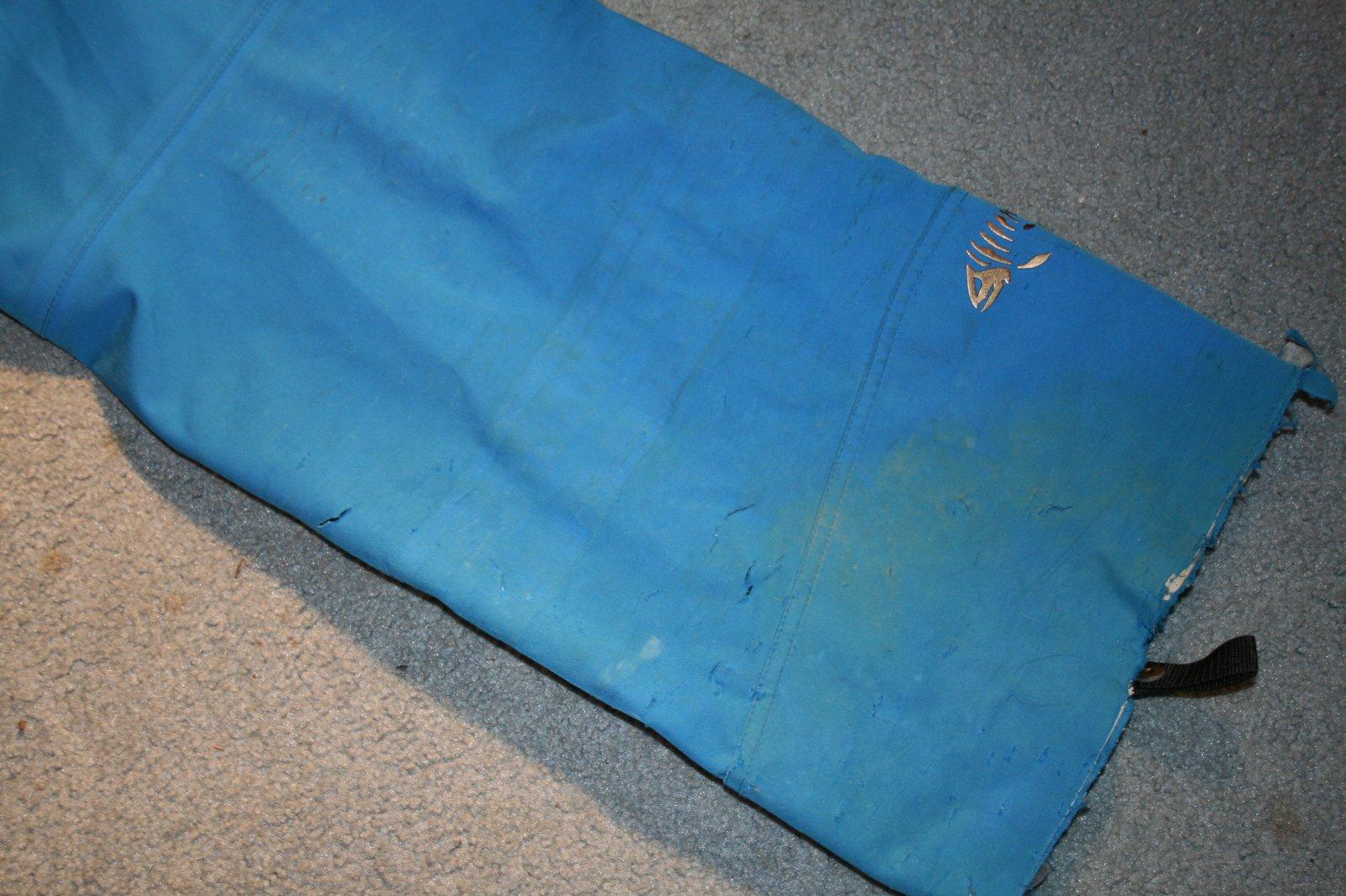 DNA blue pants left heel