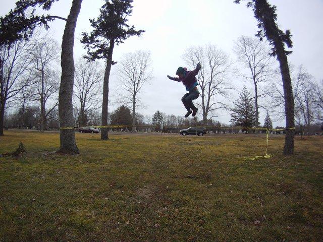 Slackline jump