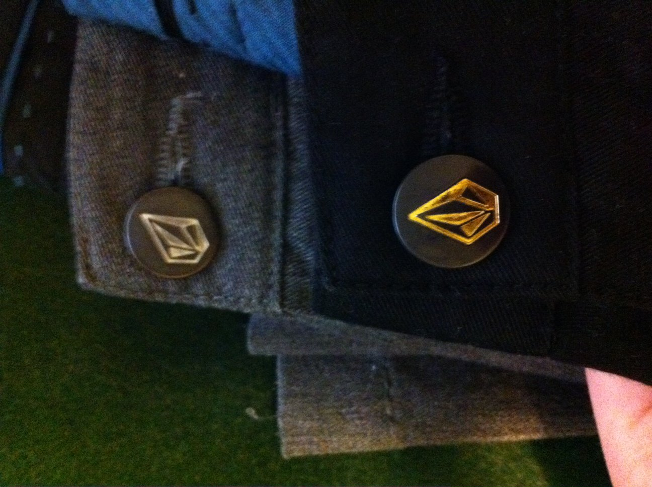volcom chino buttons