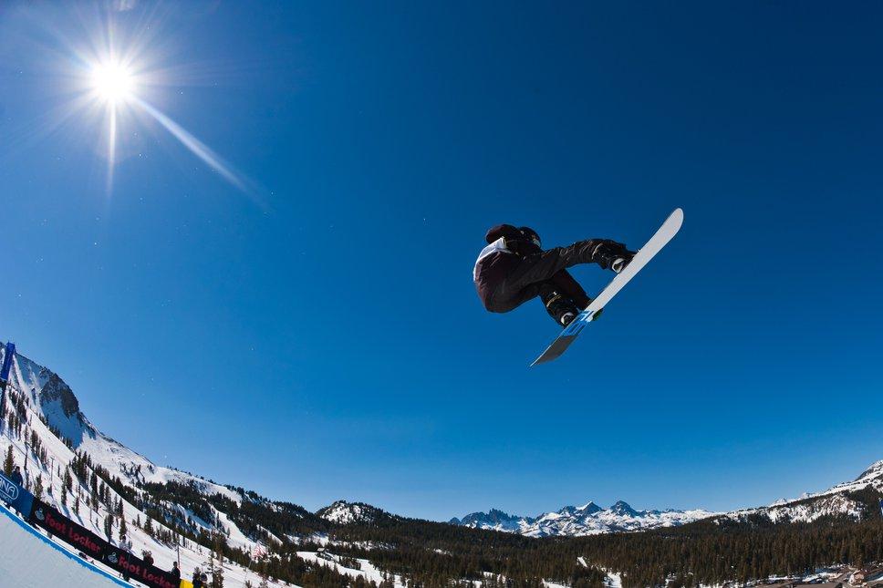 Snowboarder