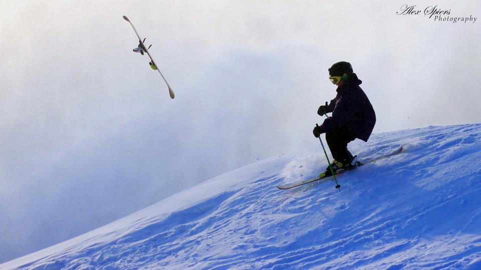 One ski Landing