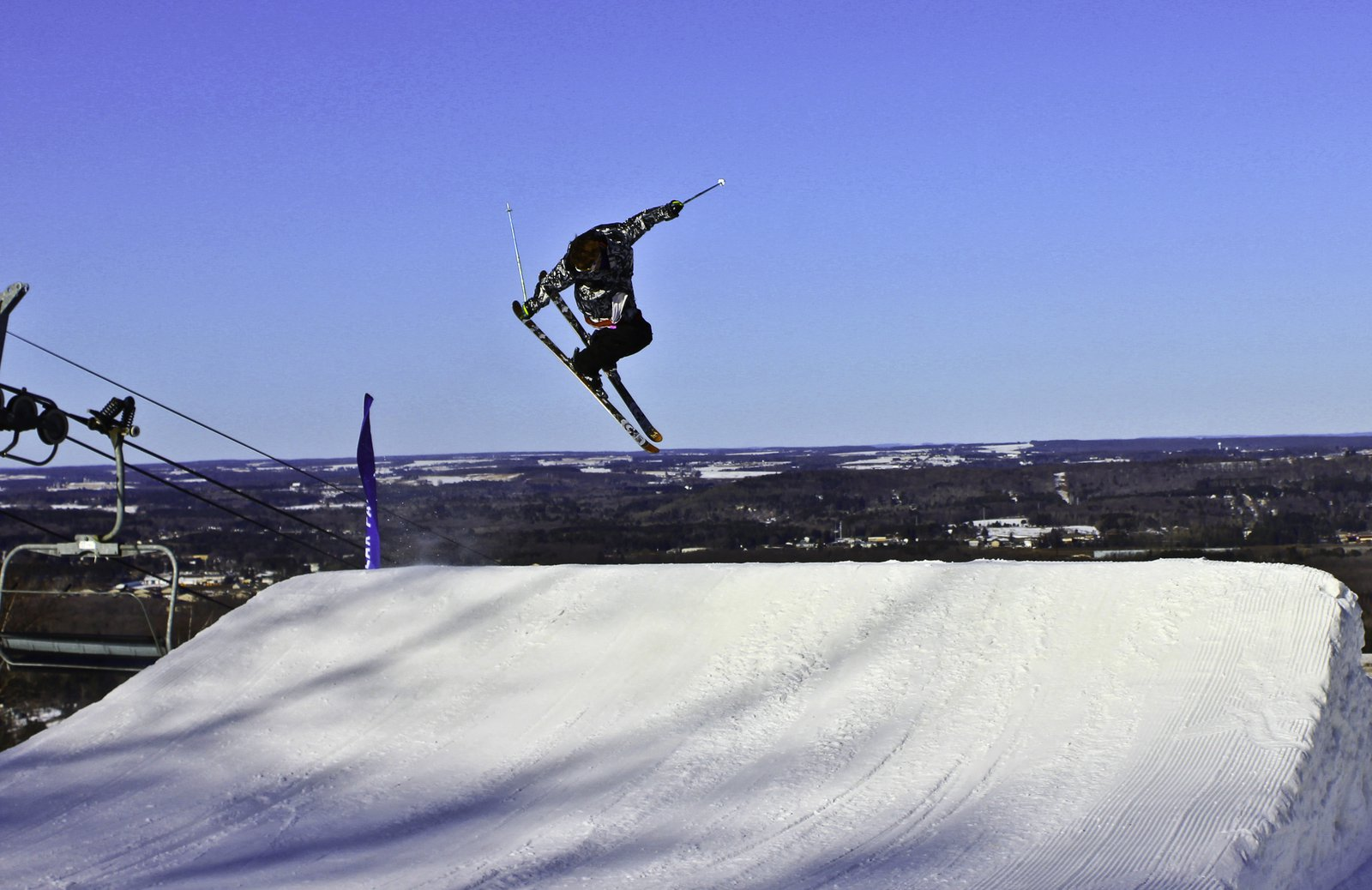 Little Tail Grab Action