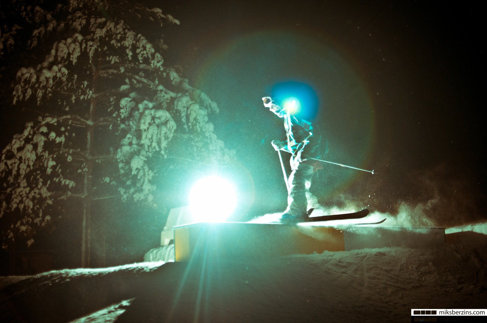 Cosmos skiing