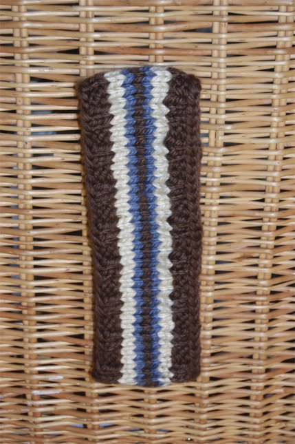 THICK YARN (Brown, beige, blue)