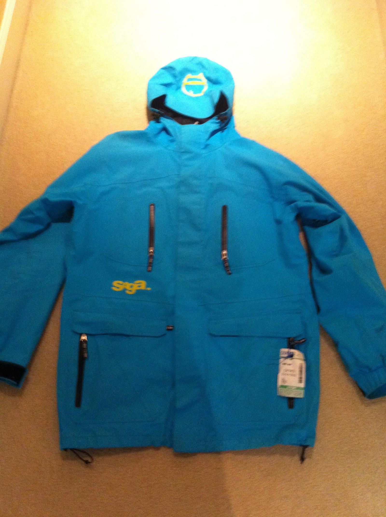 saga coat hybrid too blue L