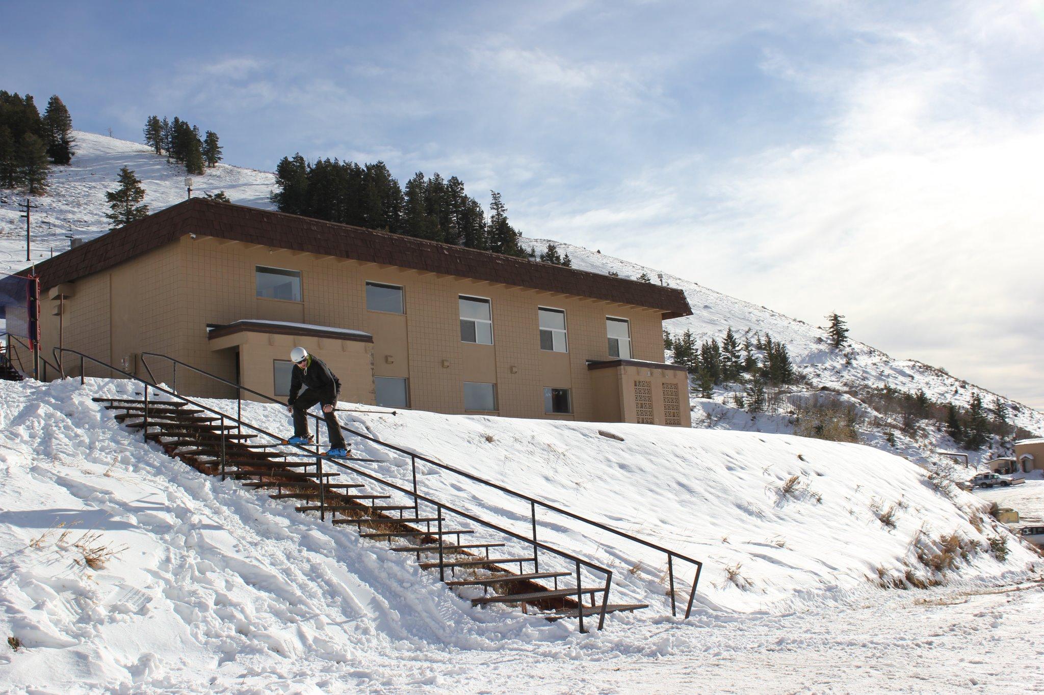 Home Mountain Down rail