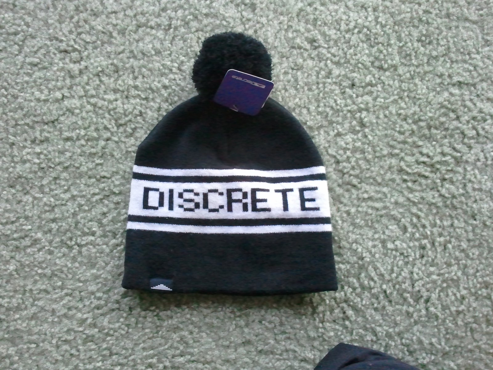 Discerete hat