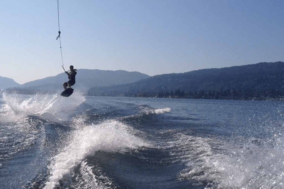 Airtime on my Wakeboard.