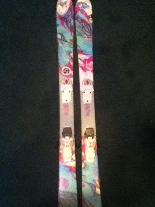 Miss conduct skis