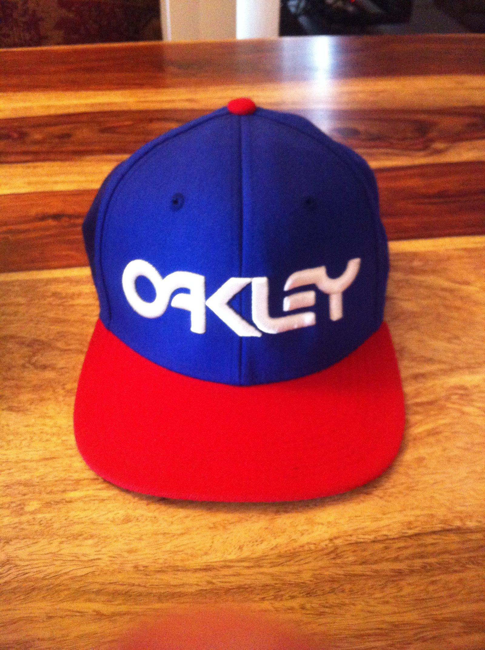 FS oakley snapback
