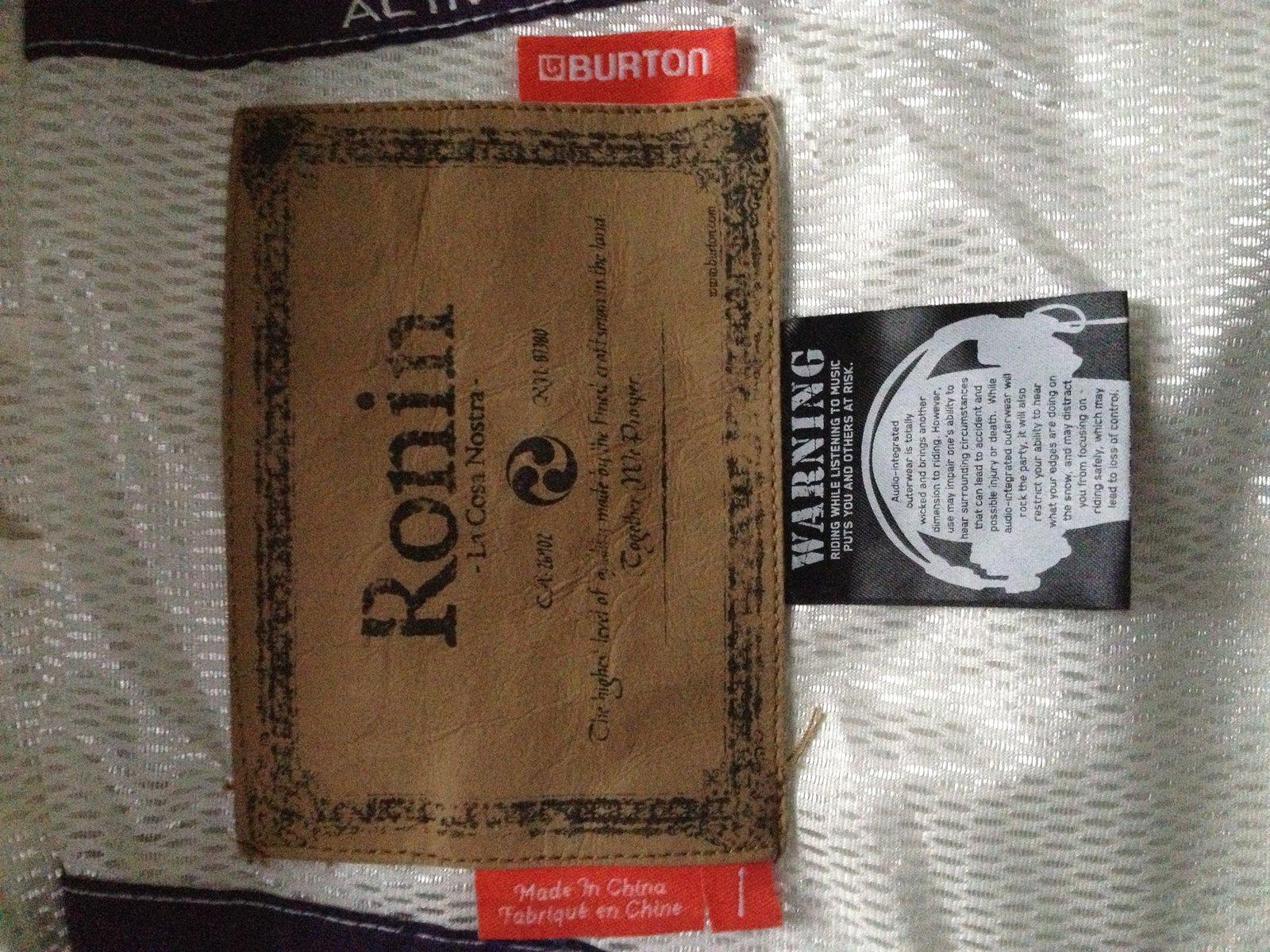 FS: Burton Ronin, White, Large