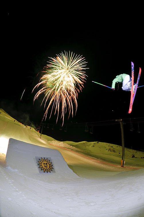 Night Firework Shoot