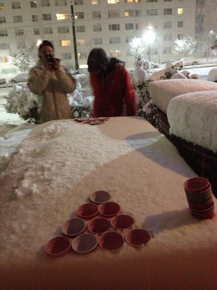 Snow Pong!