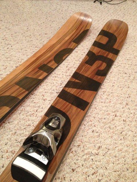 Toe peice wood veneer