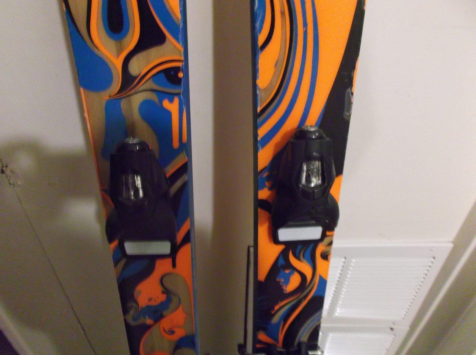 Skis 4.JPG