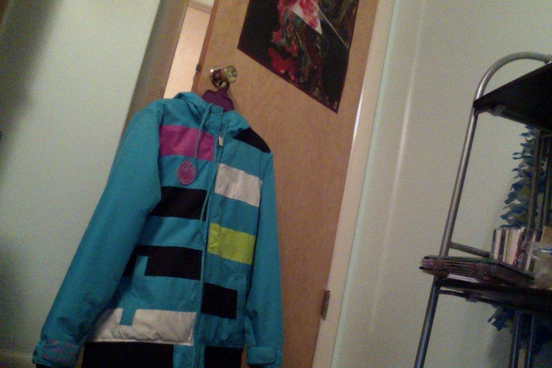 FS: Girls small Nomis jacket