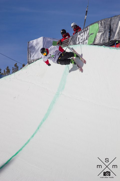 THall Dropping in @ Dew Tour