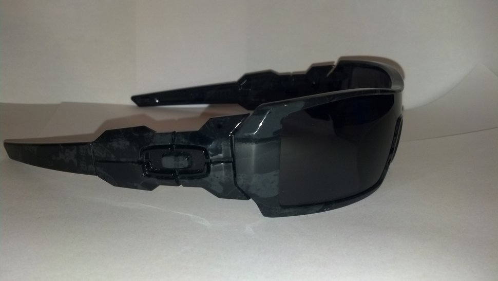 FS: Polarized Oakley Oil Rig