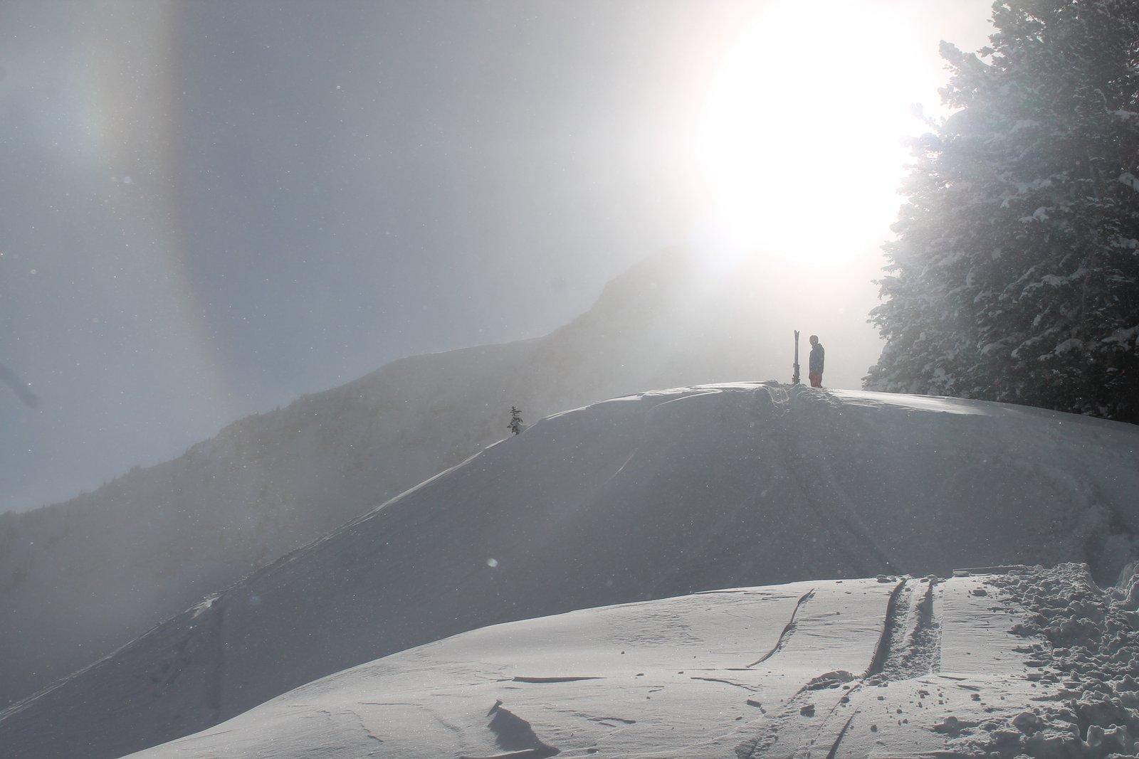 Jesus skis