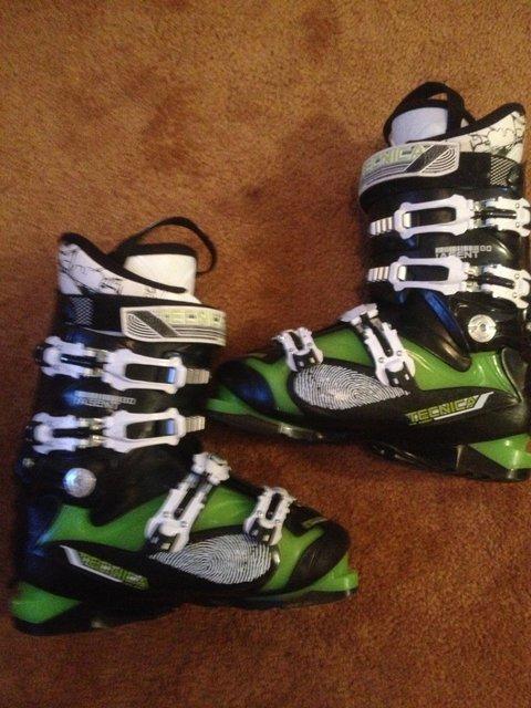Tecnica Agent 80 ski boots 25.5