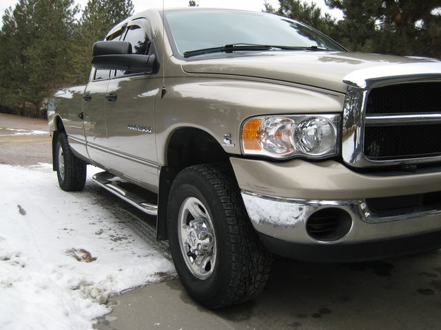03 dodge 2500 High Output Cummins, 6 spd manual