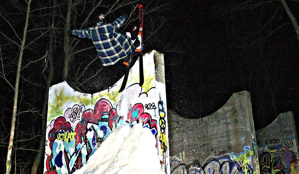 Graffiti Wall stall