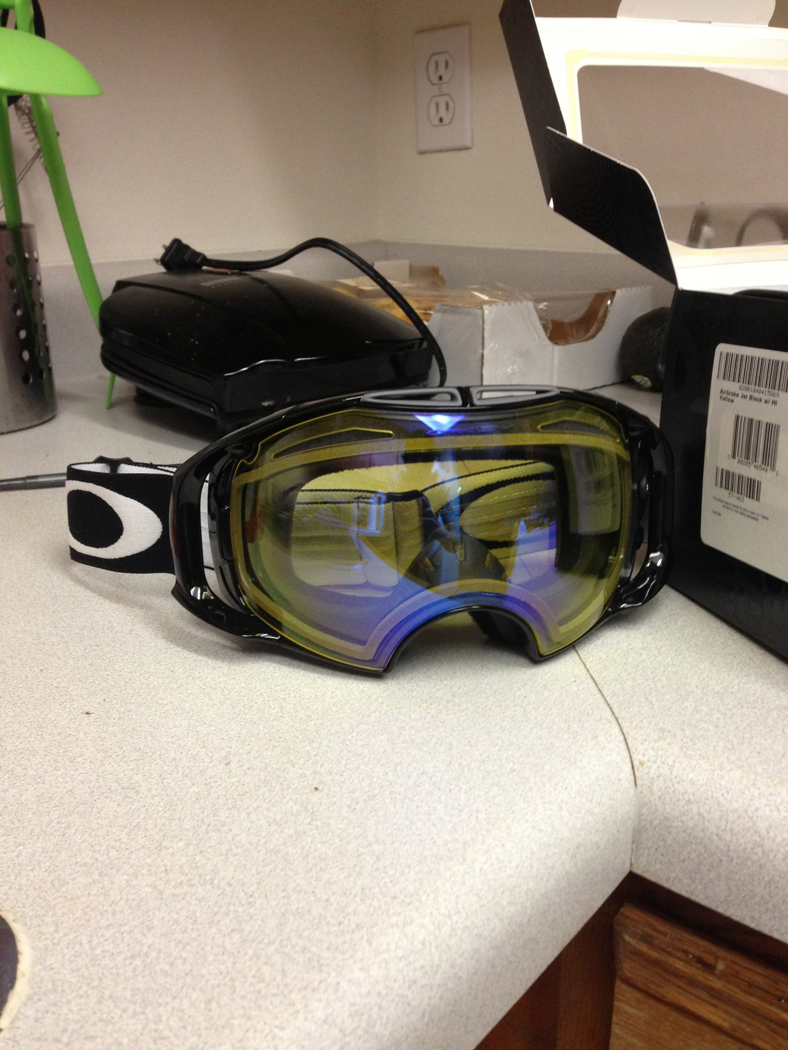 Oakley Airbrake Hi Intensity Yellow