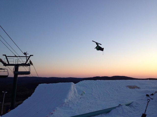 Seb Eaves flat 3's into the sunset