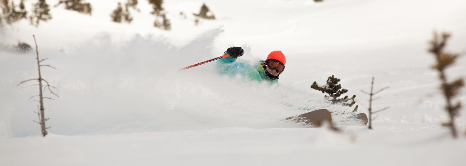 playing skis