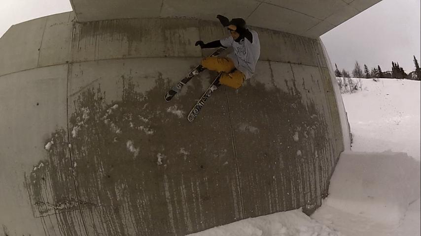 Wallride under a bridge