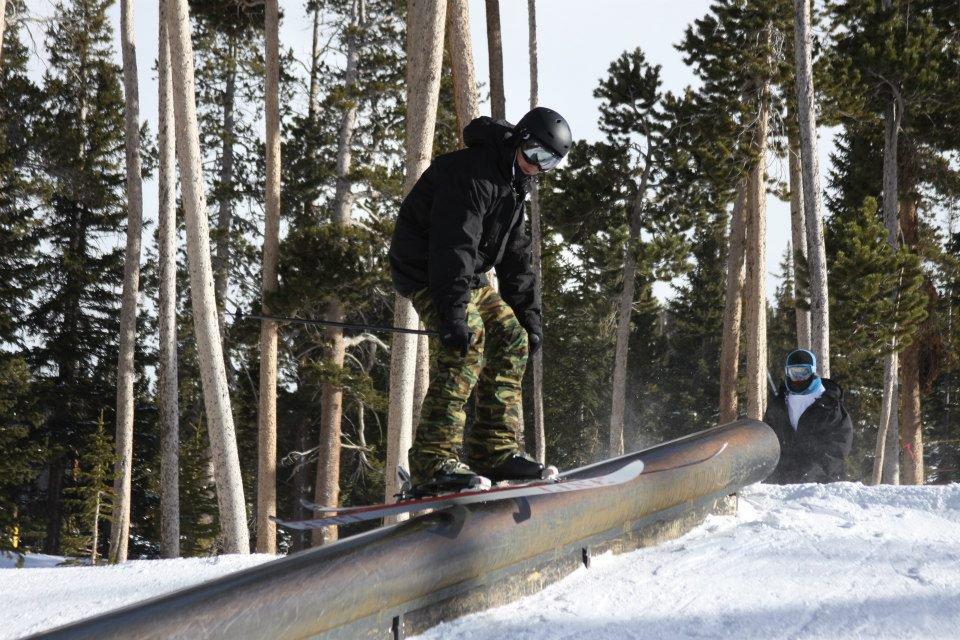 Rail-ski-feature