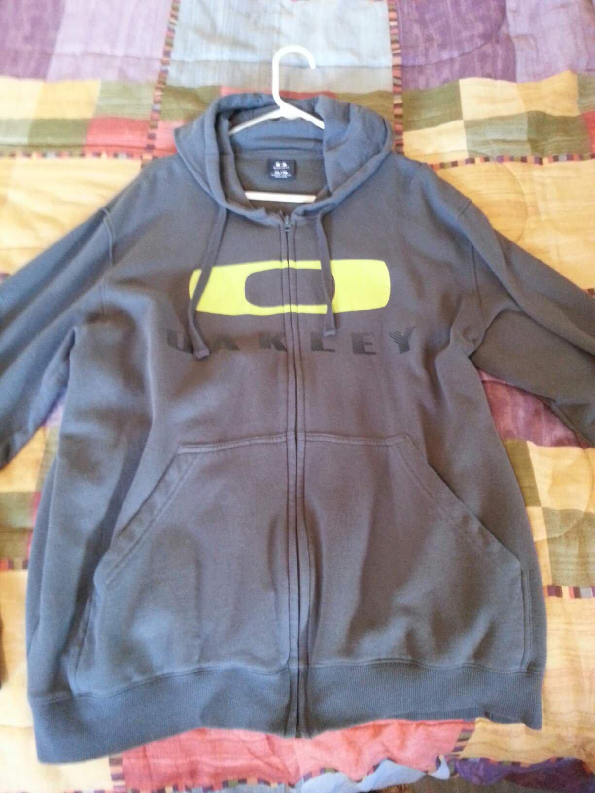 oakley zip up Hoodie XL