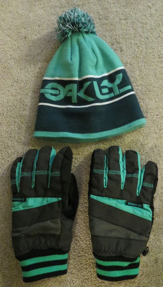 Oakley Pom and Dakine Gloves