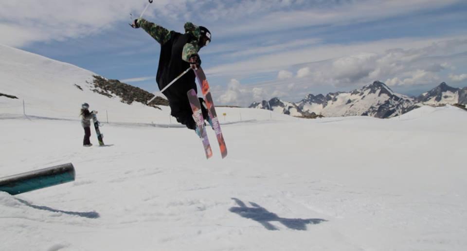 Moment skis summer  les deux alpes