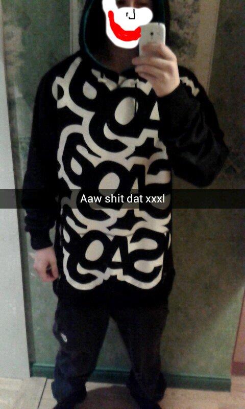 Saga 3xl hoodie on 6' 2.5'' 194lbs