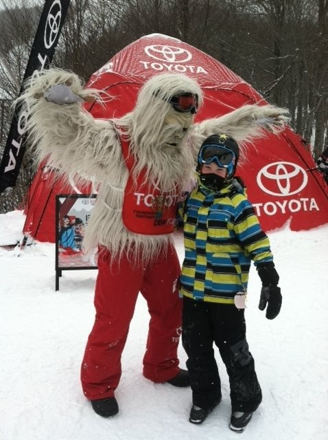 BEANS with the toyota sasquatch at the killington dew tour