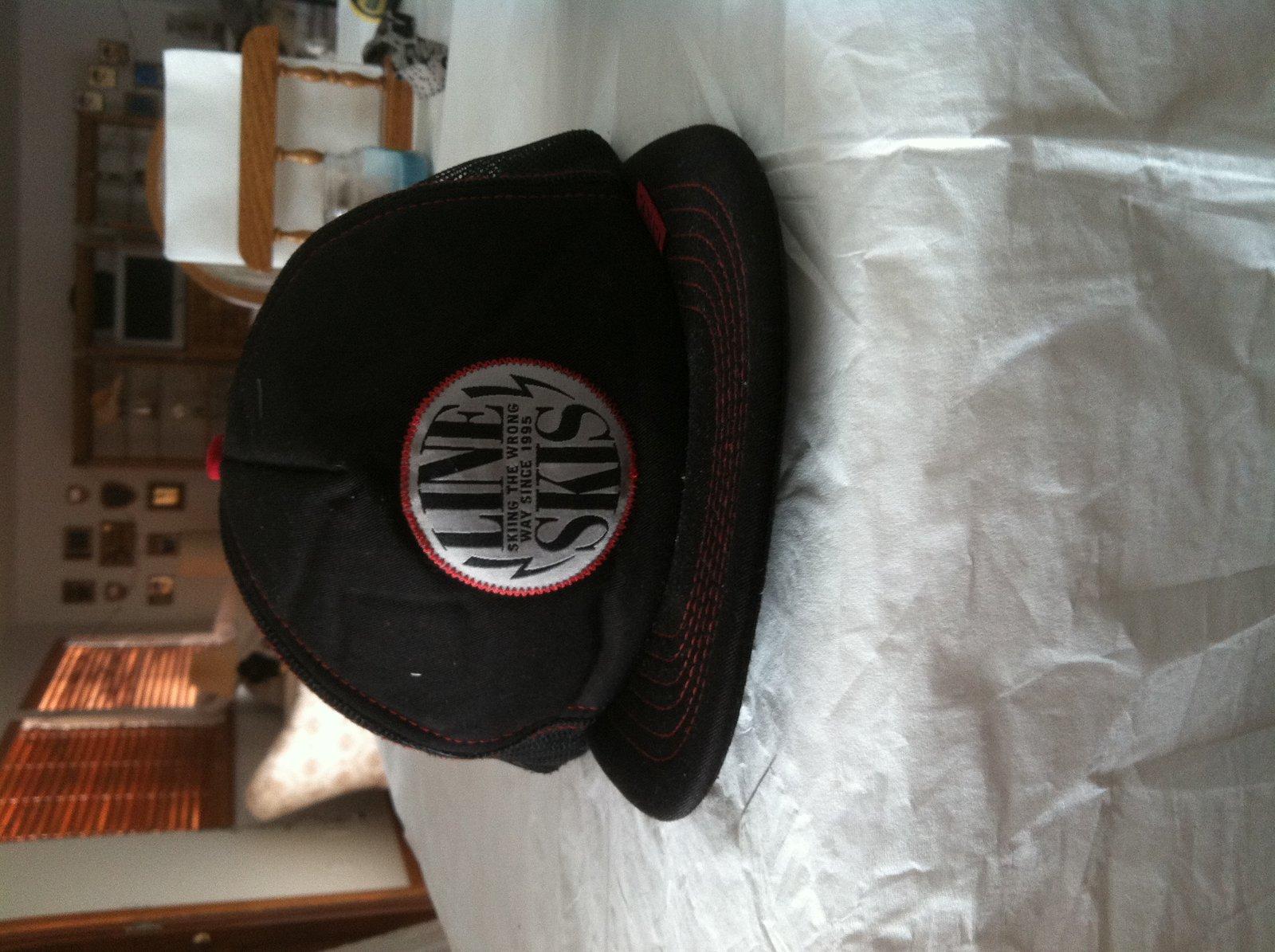 FS Line hat