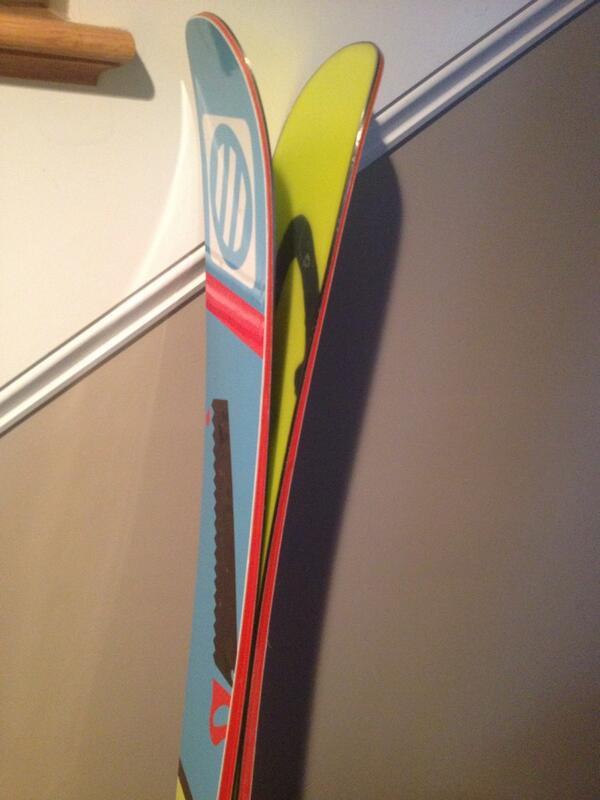 skis1.jpg