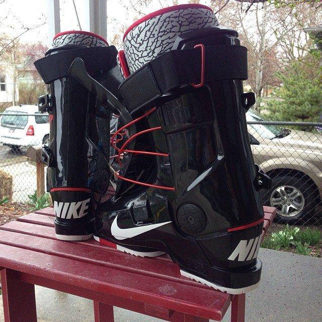 Nike SB x Full Tilt Colab Boot
