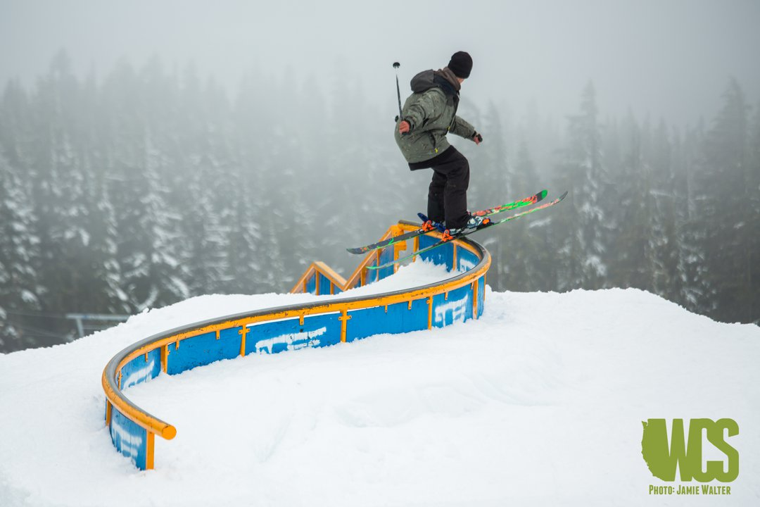 West Coast Session 8 Public Day: Snowflakes, Hot Dogs and S-Rails