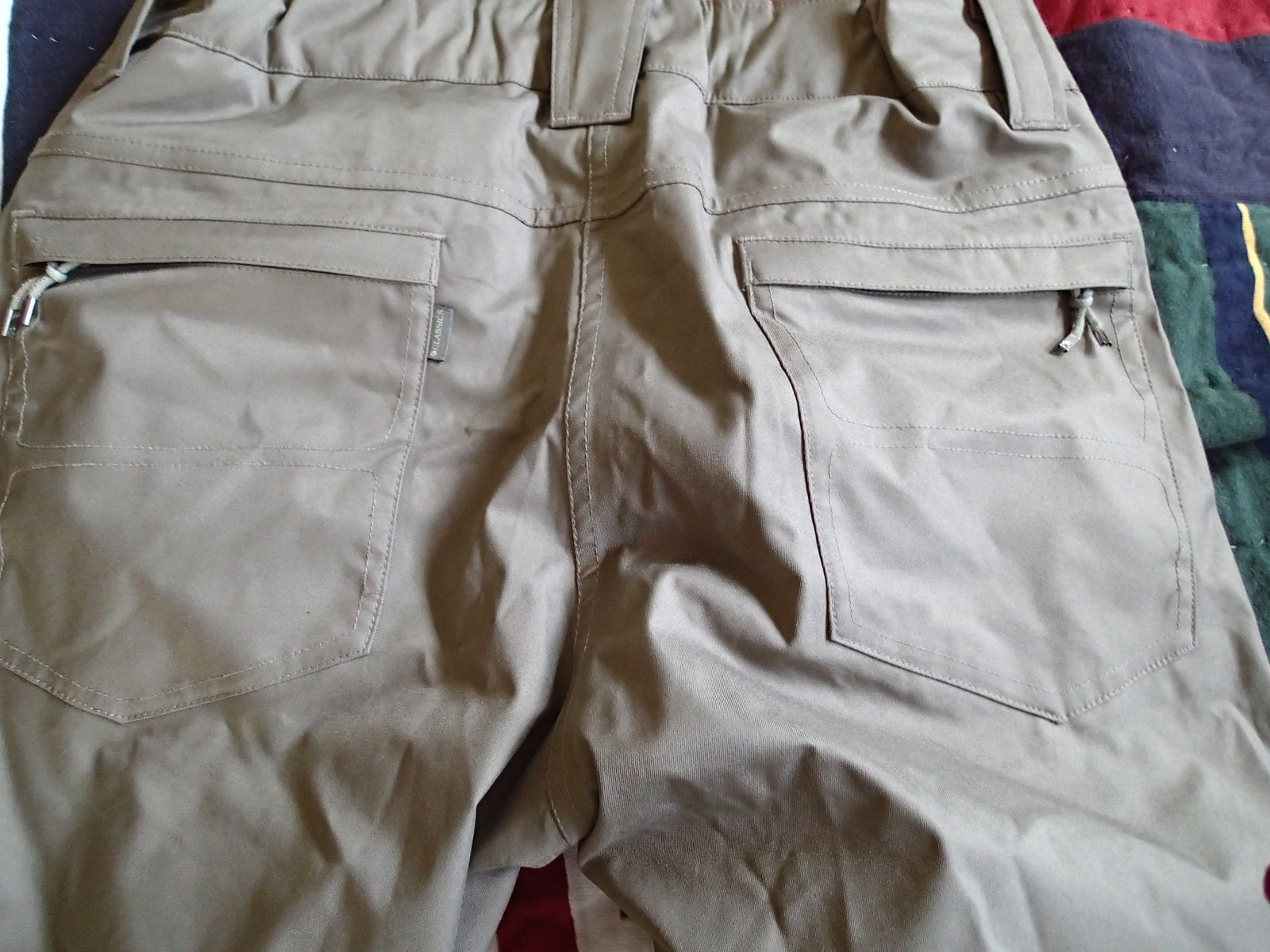Holden pantalones