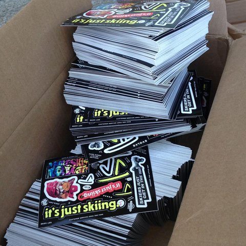 J-skis-stickers-to-windells.jpg