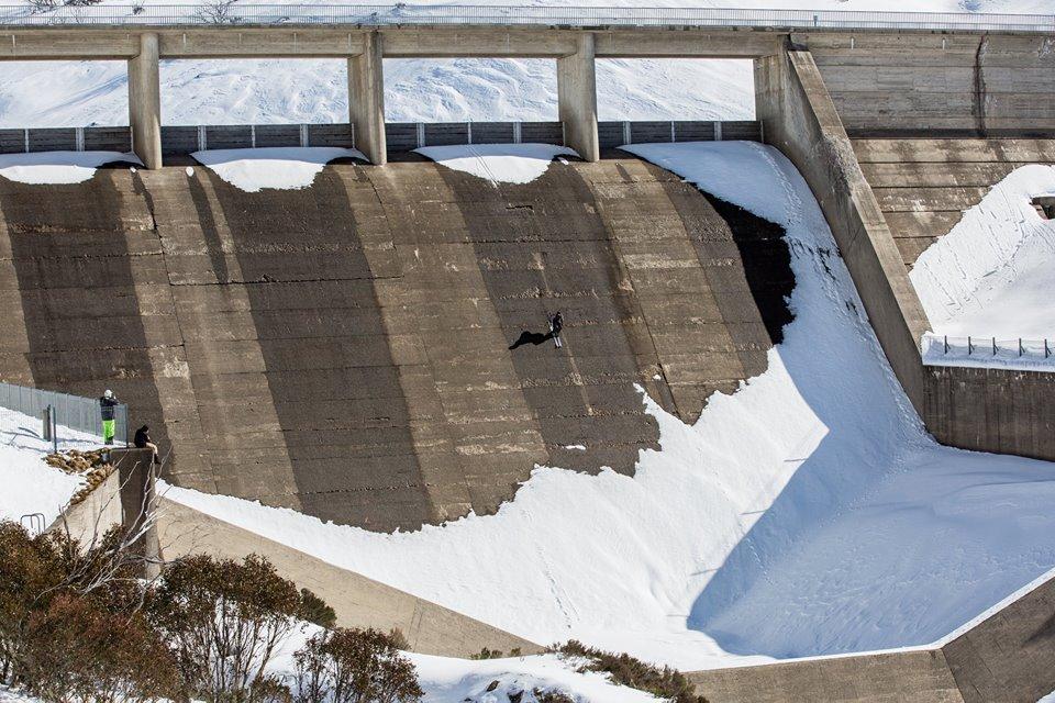 Bombing a dam